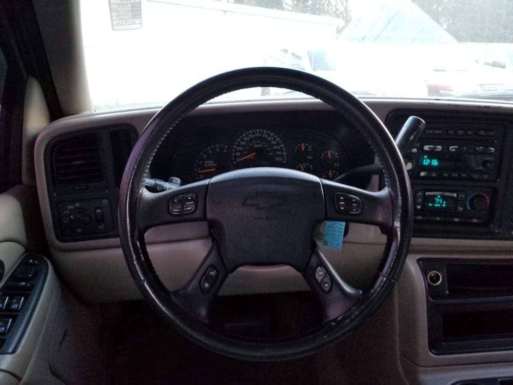 Chevrolet Tahoe 2004 Silver