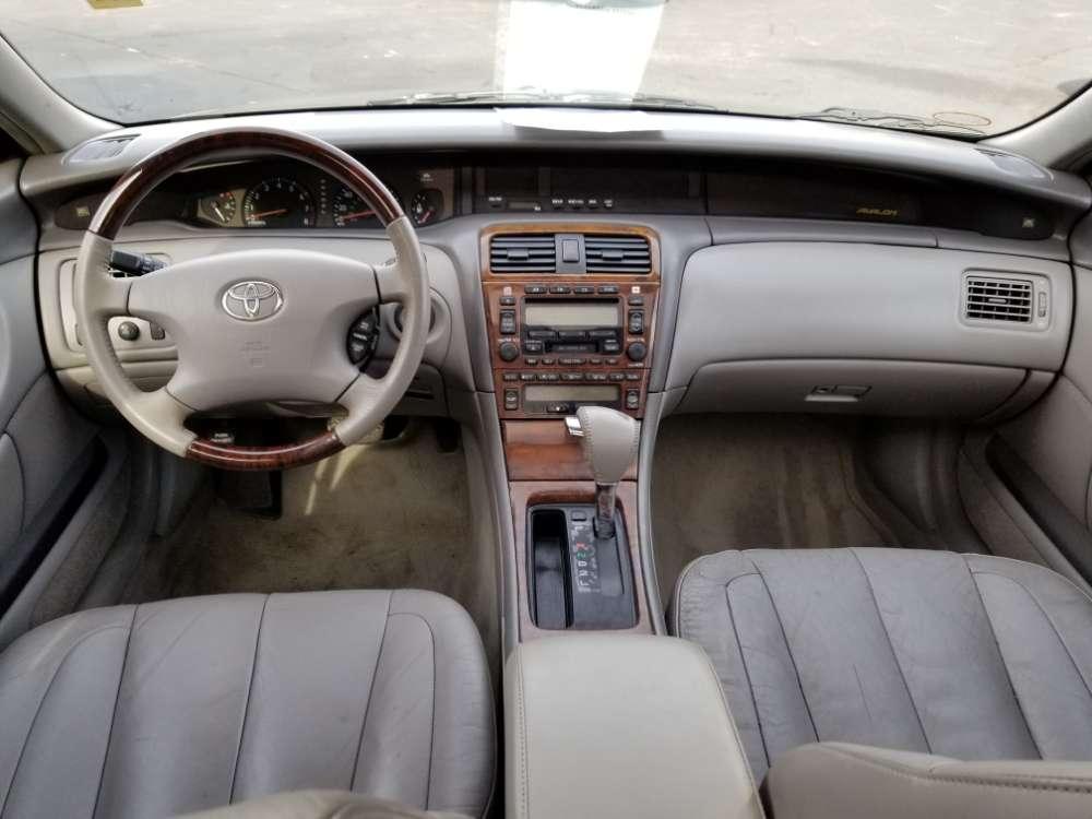 Toyota Avalon 2004 Gray