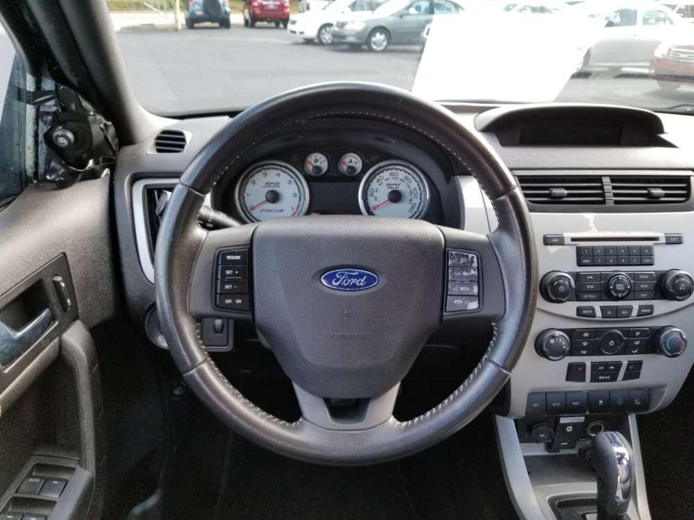 Ford Focus 2010 Black