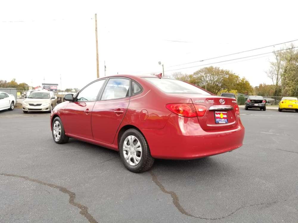Hyundai Elantra 2010 Red