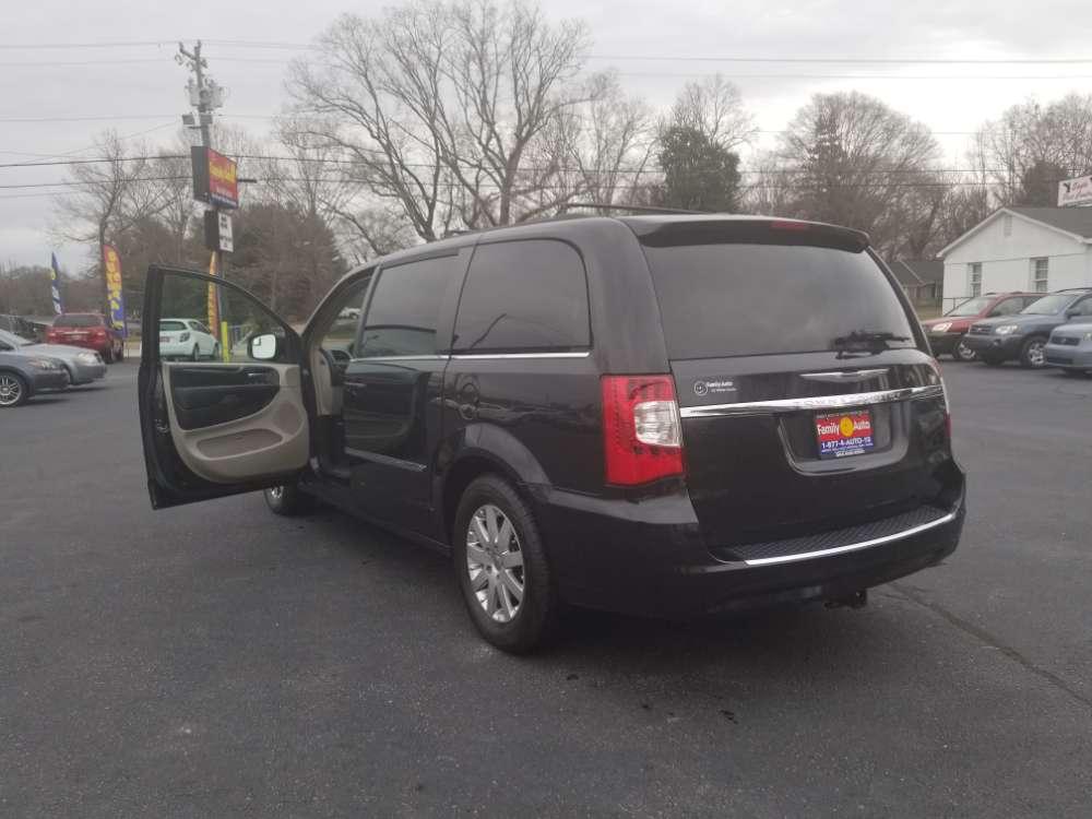 Chrysler Town & Country 2014 Black