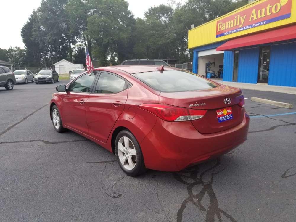 Hyundai Elantra 2013 Red