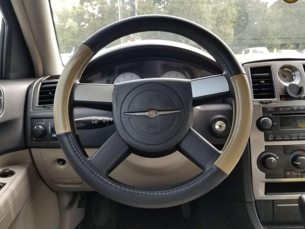 Chrysler 300, 300C 2006 Gold