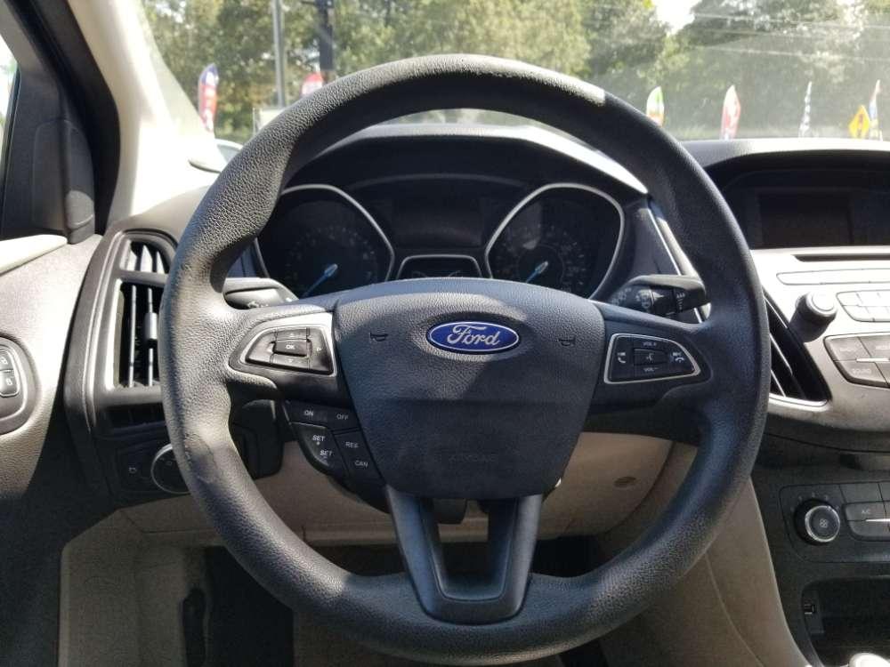 Ford Focus 2016 Tan